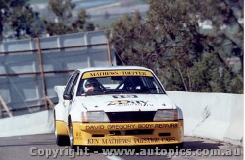83710  -  K. Mathews / G. Toepfer   Bathurst 1983  Commodore VH