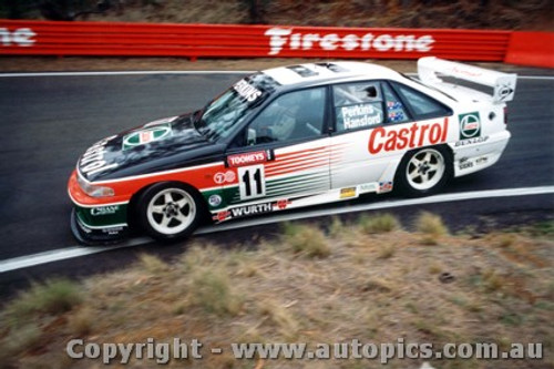 94703  -  L. Perkins / G. Hansford    Bathurst 1994  3rd Outright  Holden Commodore VP
