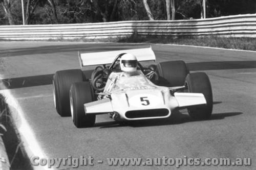 71612  -  Kevin Bartlett  Mildren Chev-Bartz   Tasman Series 1971  Warwick Farm