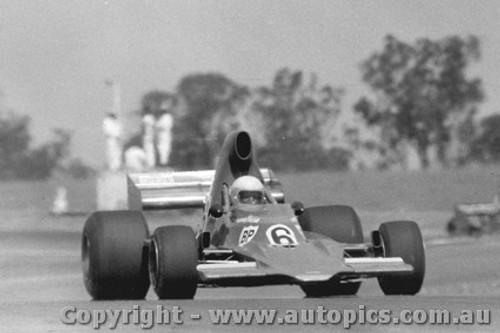 75606  -  M. Stewart - Lola T400 Chev  -  Tasman Series 1975 - Oran Park