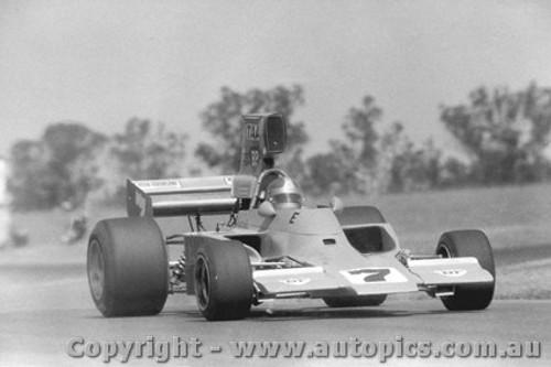 75607  -  J. Walker - Lola T332  -  Tasman Series 1975 - Oran Park