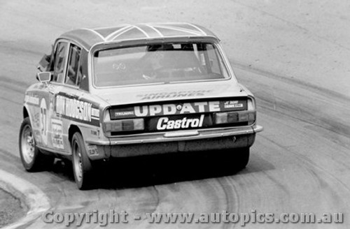 76727 - R. Dickson / G. Lawrence - Triumph Dolomite Sprint -  Bathurst 1976 - Photographer Lance J Ruting