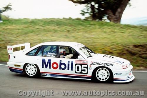 92704  -  Brock / Reuter  -  Holden Commodore VP  Bathurst  1992