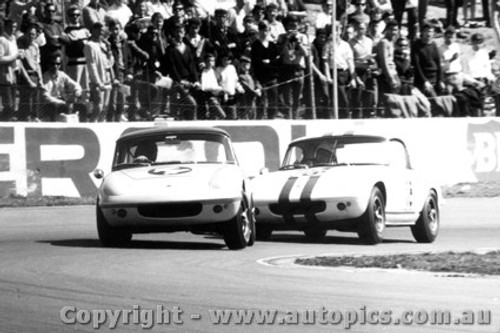 66408 - Gibson and Allen  Lotus Elan - Oran Park 1966