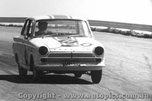 65704 - Seton / Bosworth Ford Cortina GT 500 1st Outright Bathurst 1965