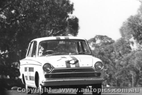 65707 - Geoghegan / Geoghegan Ford Cortina GT 500  Disqualified  Bathurst 1965