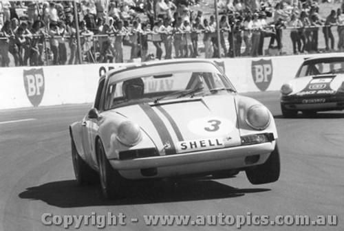 72017 - McKeown and Brown Porsche s Oran Park 1972