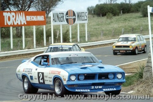 76734  -  Goss / Richards  -  Bathurst 1976 - Falcon