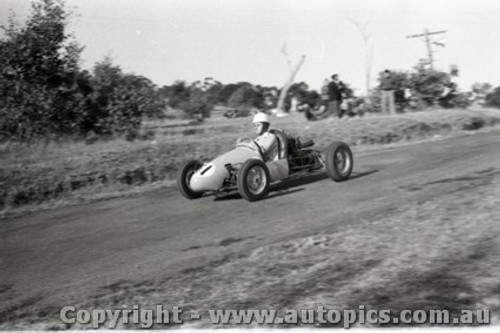 Rob Roy HillClimb 1959 - Photographer Peter D'Abbs - Code 599132
