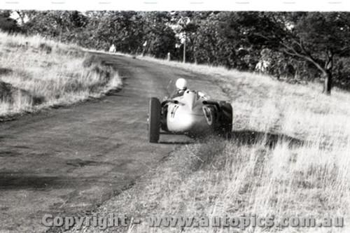 Rob Roy HillClimb 1959 - Photographer Peter D'Abbs - Code 599150