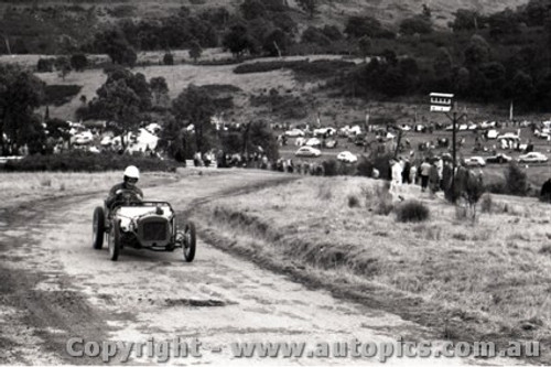 Rob Roy HillClimb 1959 - Photographer Peter D'Abbs - Code 599171