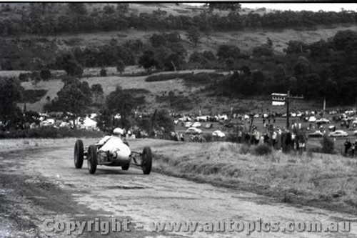 Rob Roy HillClimb 1959 - Photographer Peter D'Abbs - Code 599174