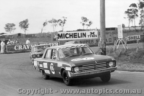 69721  -  Ryan / Kable  -  Valiant Pacer - Bathurst 1969