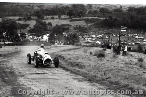 Rob Roy HillClimb 1959 - Photographer Peter D'Abbs - Code 599181