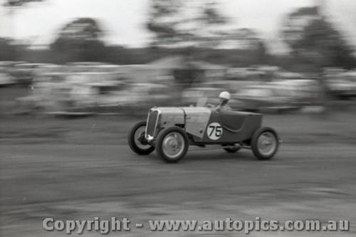 Templestowe HillClimb 1959 - Photographer Peter D'Abbs - Code 599240