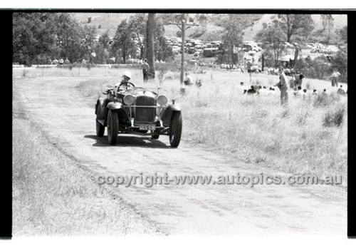 Rob Roy HillClimb 2nd February 1958 - Photographer Peter D'Abbs - Code RR1658-080