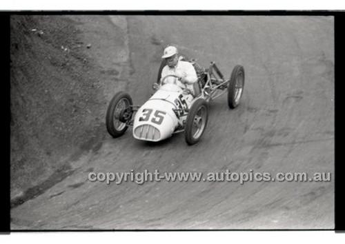 Rob Roy HillClimb 10th August 1958 - Photographer Peter D'Abbs - Code RR1658-111