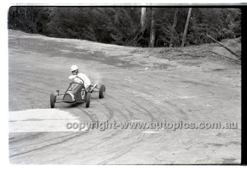 Rob Roy HillClimb 10th August 1958 - Photographer Peter D'Abbs - Code RR1658-137