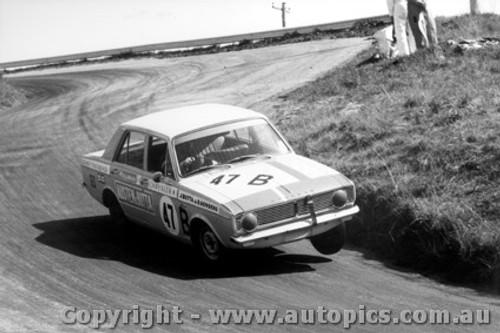 68712 - Butta / Genders - Hillman Arrow - Bathurst 1968