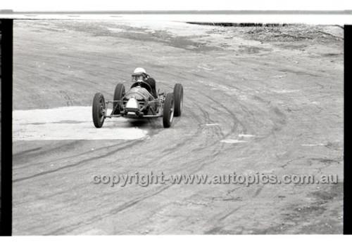 Rob Roy HillClimb 10th August 1958 - Photographer Peter D'Abbs - Code RR1658-144