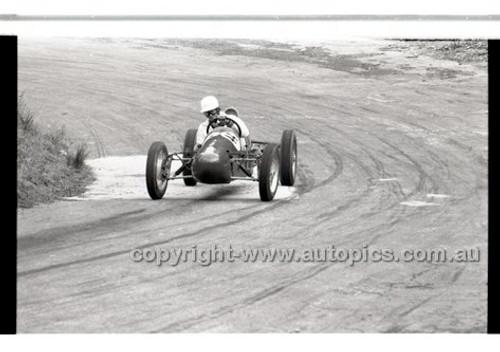 Rob Roy HillClimb 10th August 1958 - Photographer Peter D'Abbs - Code RR1658-145