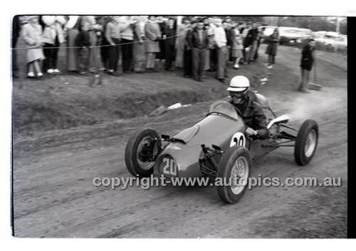 Templestowe HillClimb 7th September 1958 - Photographer Peter D'Abbs - Code 58-T7958-019