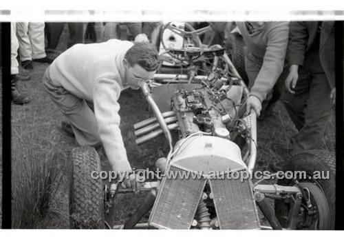 Templestowe HillClimb 7th September 1958 - Photographer Peter D'Abbs - Code 58-T7958-022