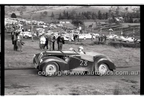 Templestowe HillClimb 7th September 1958 - Photographer Peter D'Abbs - Code 58-T7958-033