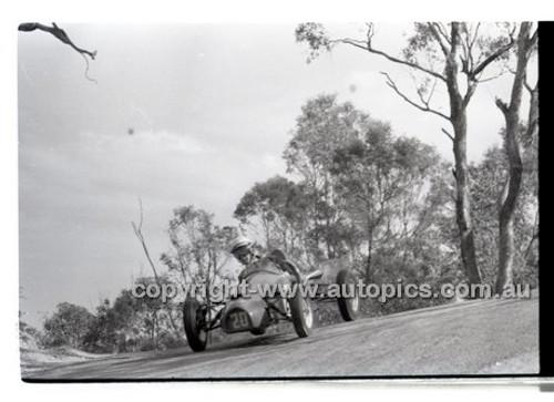 Templestowe HillClimb 7th September 1958 - Photographer Peter D'Abbs - Code 58-T7958-036