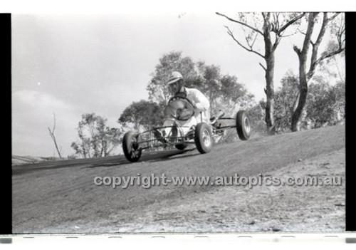 Templestowe HillClimb 7th September 1958 - Photographer Peter D'Abbs - Code 58-T7958-037