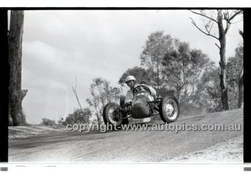Templestowe HillClimb 7th September 1958 - Photographer Peter D'Abbs - Code 58-T7958-039