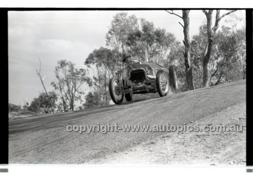 Templestowe HillClimb 7th September 1958 - Photographer Peter D'Abbs - Code 58-T7958-040