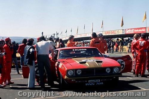 75733 - Allan Moffat - Ford Falcon - Bathurst 1975