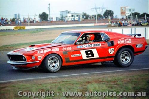 72028 - Allan Moffat Mustang - Calder 1972