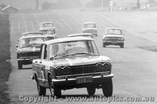 66714 - Kennedy / Stewart Prince Skyline - Bathurst 1966