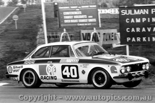 76742 - P. Wherrett / D. Jones Alfa Romeo GTV - Bathurst 1976