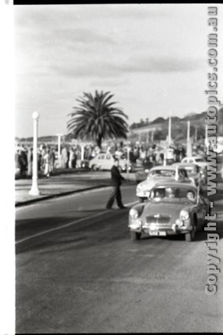 Geelong Sprints 23rd August 1959 -  Photographer Peter D'Abbs - Code G23859-22