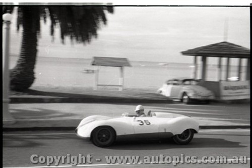 Geelong Sprints 23rd August 1959 -  Photographer Peter D'Abbs - Code G23859-38