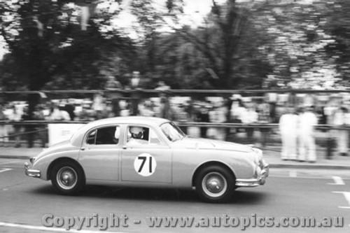 58001 - D. McKay Jaguar - Albert Park 1958