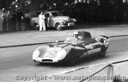 58409 - C. Whatmore Lotus XI - Albert Park 1958