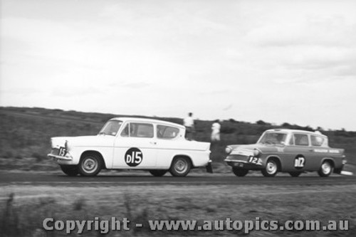 61704 - Molina / Whiteford / Ward - Coffey / Trudinger / Chillianis - Ford Anglia - Armstrong 500 Phillip Island 1961