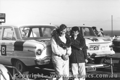 62701 - Firth and Jane - Ford Falcon - Winners - Armstrong 500 - Phillip Island 1962