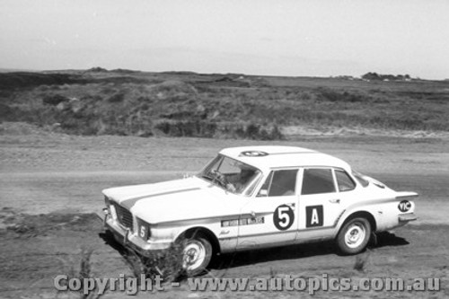 62707 - Croft / Gillespie - Chrysler Valiant - Armstrong 500 - Phillip Island 1962