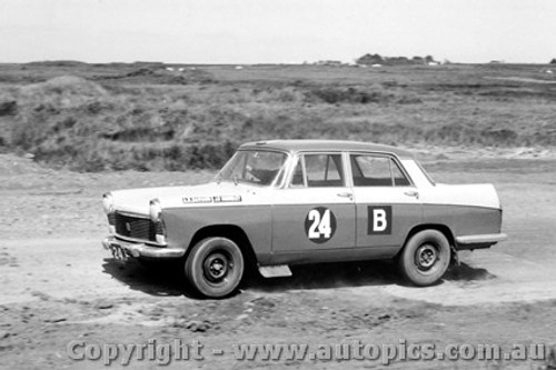 62713 - Davison / Brindley / Trueman Austin Freeway - Armstrong 500 - Phillip Island 1962