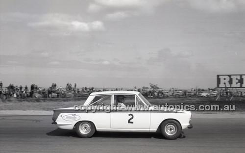 Calder 1965 - Photographer Peter D'Abbs - Code 65-PD-C24165-016