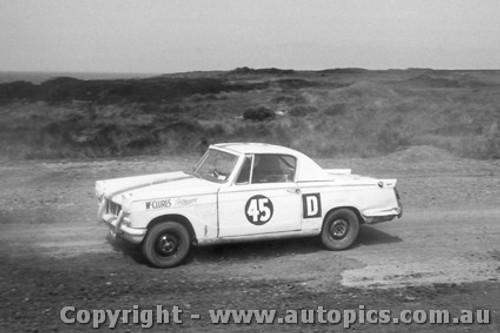 62711 - G. Poulton / R. Poulton / M. Watson   1960 Triumph Herald -  Armstrong 500 - Phillip Island 1962