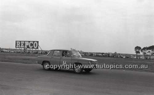 Calder 1965 - Photographer Peter D'Abbs - Code 65-PD-C29865-003