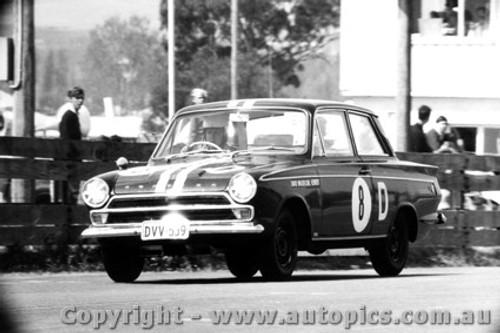 65725 -  Walker / Kennedy Ford Cortina GT 500 - Bathurst 1965