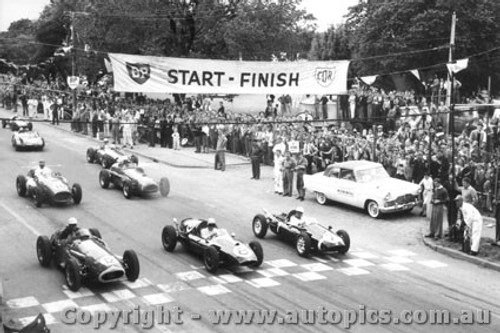 58501 - Start of the 1958 Melbourne GP Albert Park - Front Row Moss - Cooper / Brabham - Cooper / Jones - Maserati
