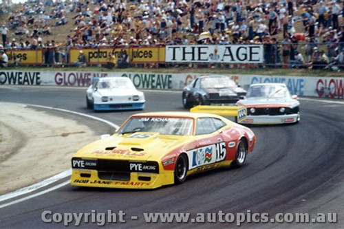 81009 - J. Richards Ford Falcon - T. Edmondson - Alfa Romeo - Calder 1981